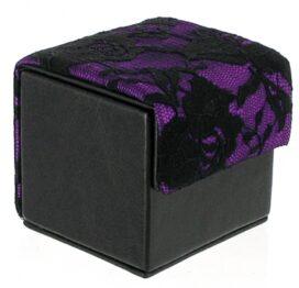 afbeelding devine condoom cube zwart / paars kant